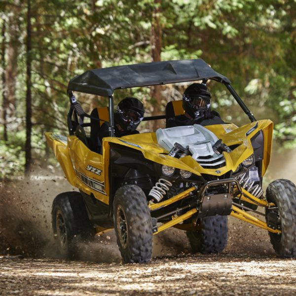 2016-yamaha-yxz1000r-is-a-three-cylinder-supersport-sxs-video-photo-gallery_1